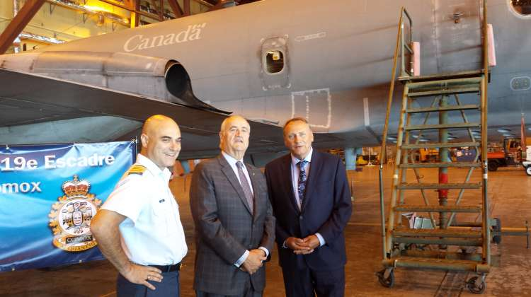 Colonel Tom Dunne, Julian Fantino and John Duncan